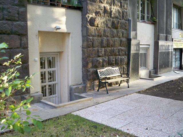 Dozsa Gyorgy Garden apartment - Budapest Property Rentals